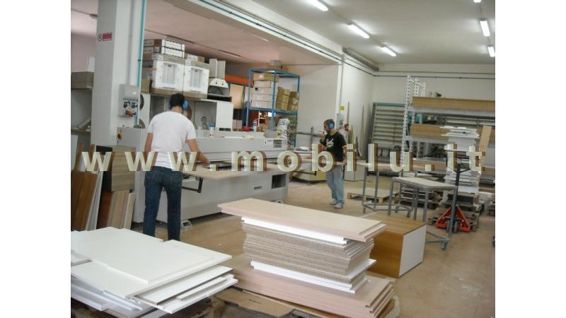 Cucine componibili Lecce e provincia produzione in legno massello e laminati