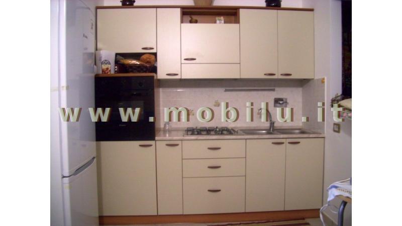 Cucine componibili economiche in Lecce e provincia in laminato con finiture panna